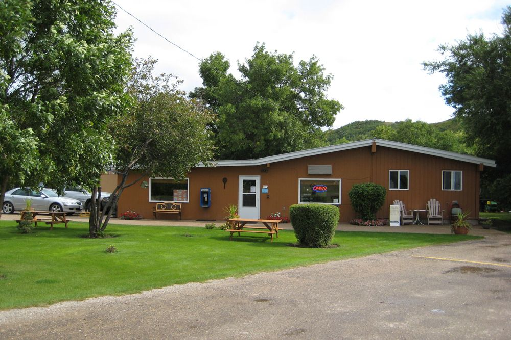 Katepwa Family Nine Clubhouse